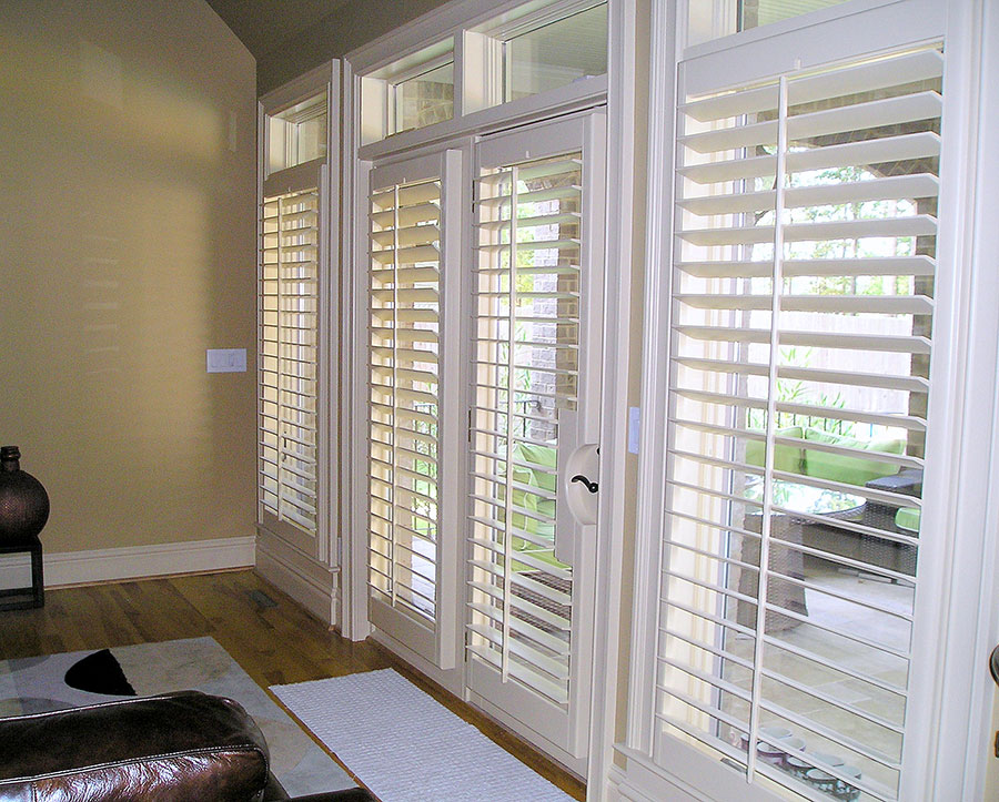 Caring For White Plantation Shutters vs. Stained Plantation Shutters
